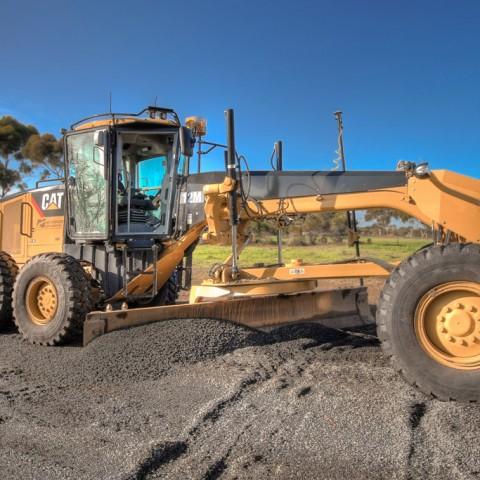 Newearth earthmoving equipment Romsey